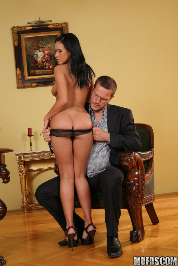 Lucky client strips Angelica Kitten's panties